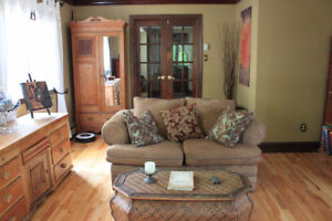 Couch / sofa and love seat 2 pieces