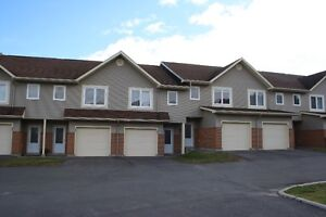 3 BEDROOM TOWNHOUSE - AUGUST 1ST