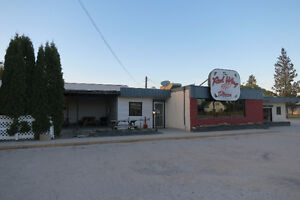 Own a restaurant in a PRIME location!