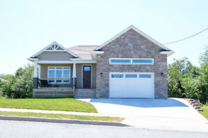 50 Alpine crt *Open House Sunday 2-4pm*