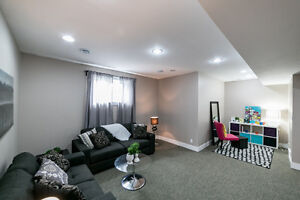 ONLY STEPS FROM MILL CREEK RAVINE!! 3000 sq ft FULLY FINISHED! Edmonton Edmonton Area image 10