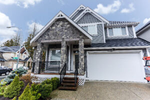 Gorgeous Custom Built Corner Lot Home w/Legal Suite - Willoughby