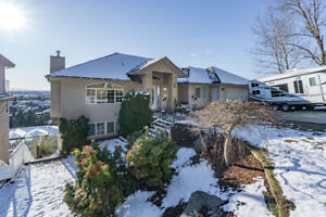 Incredible Listing in Abbotsford!! OPEN HOUSE SAT 4/21 12-5pm!!!