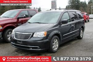 2011 Chrysler Town & Country Touring DVD, NAV, SUNROOF, BACK...