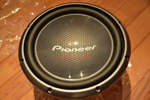 """Subwoofer d'auto Pioneer Champion Series Pro TS-W3003D4 12"""" neuf"""