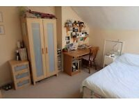 Double room available Meanwood/ Headingley- light and spacious house sharing with 3 ladies