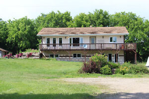 Live the Peaceful Acreage Life by the Lake! Livelong