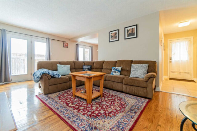 renovated 3 bedroom 2 washrooms, with furnished basement.