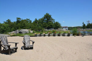 ~*~*~Amazing Mid-Week Specials on all Waterfront Cottages ~*~*~