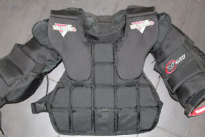 Vaughn Goalie Chest Protector Youth XL