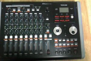 Enregistreuse / Audio recorder Tascam Digital Portastudio DP-02