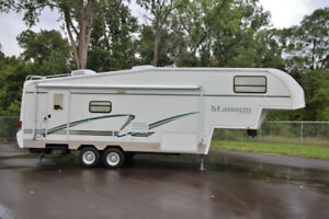 2002 Glendale Titanium Fifth 5th Wheel 28E33