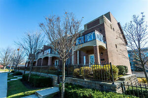 17 White Oaks Rd - EXECUTIVE TOWNHOME STEPS FROM THE WATERFRONT!