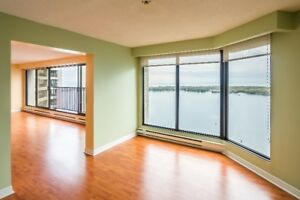 3 bedroom condo with spectacular harbour and city views