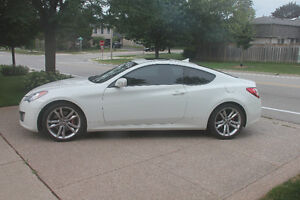 2010 Hyundai Genesis Coupe 3.8-GT Coupe (2 door)