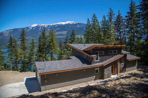 Rare & Modern Lakefront Home for Sale near Revelstoke, BC