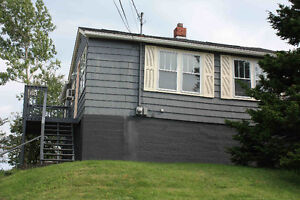 2 BDRM HOUSE ON ROSEDALE AVE MAY 1ST