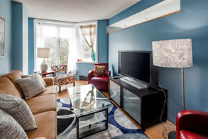 Beautiful Dowtown Lower Water Street Condo!