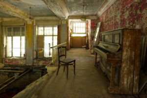 Urban Explorers Looking For Abandoned Properties In NB! - Read!