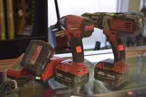 Milwaukee 18v Li-Ion Drill/Driver Set + 3 batteries