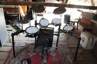 Roland TD9 Drum Kit with amp and throne and Satalite speakers