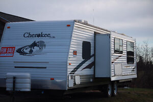2007, Forest River Cherokee 28'