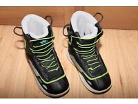 Snowboard boots size 3