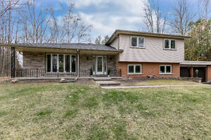 Bright Beautiful & Private Home with Huge Lot - Lake Simcoe