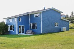 Spacious Family home or Ocean View Retreat! 25 mins. to city!