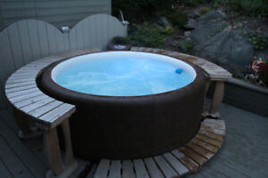 Softub 300 Hot Tub Excellent Condition One Year Old