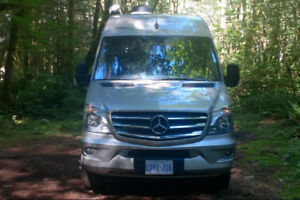 BEAUTIFUL CLASS A MOTORHOME FOR RENT