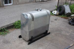 Hydraulic tank for AZ truck with saddle mount