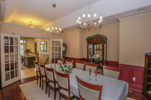 Executive Home w/Triple Garage on 1.07 acres in Dorchester London Ontario image 4