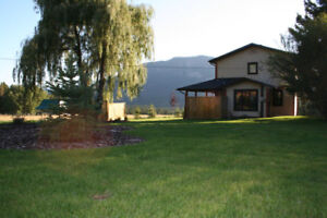 Home on Small acreage, 1 hour south of Golden
