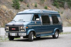 1992 GMCvandura with power folding bed in back