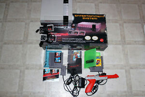 NES In-Box,2 Controllers,Zapper Gun, & 3 Games! $270 All Tested