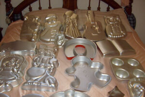 WILTON COMMERCIAL BAKING PANS,CHARACTORS TO WEDDING CAKES