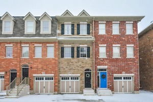 Beautiful Townhome in Premium Downtown Kitchener Location