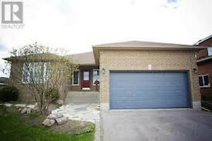 IMMACULATE BUNGALOW WEST END AVAILABLE IMMEDIATELY