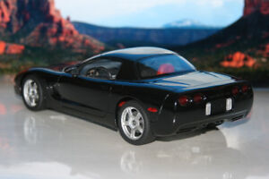UT/Autoart 1999 Corvette Coupe Diecast Die Cast Car 1/18