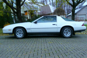 1987 CAMARO  2 Door Coupe, White with Black T- Roof