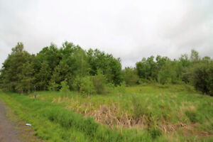Lot for sale in Limoges (approx. 11.36 acres)