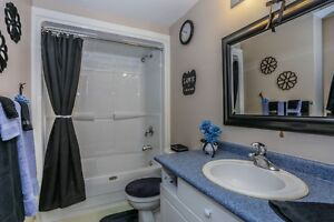 Move in Condition, End unit with walkout. London Ontario image 8