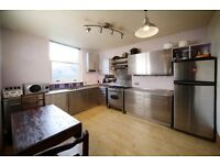 3 bedroom flat in Prince of Wales Road, Kentish Town NW5
