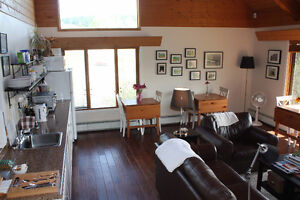 Affordable, Well Furnished Guest Rooms for Rent at Beautiful B&B Williams Lake Cariboo Area image 6