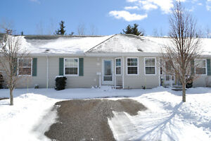 LOVELY BUNGALOW STYLE CONDO WITH PRIVATE BACKYARD!