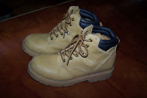 Size 4 Youth Work Boots