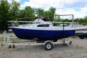 REDUCED 1974 DS-20 SAILBOAT WITH TRAILER....REDUCED