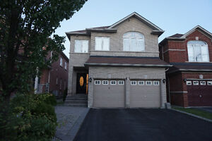 Detached renovated home in Richmond Hill