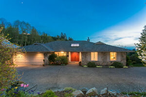 Avail. Immed. Beautiful Family Home in West Vancouver, $4500 North Shore Greater Vancouver Area image 2